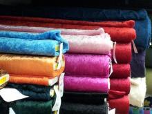 Velours de panne In veel kleuren  100% polyester €3,50 pm